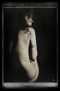 La jeune femme Xochik Portrait femme noir et blanc Christina Alonso Photographies ©