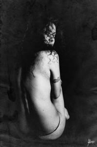 La jeune femmeXochik Portrait femme noir et blanc Christina Alonso Photographies ©