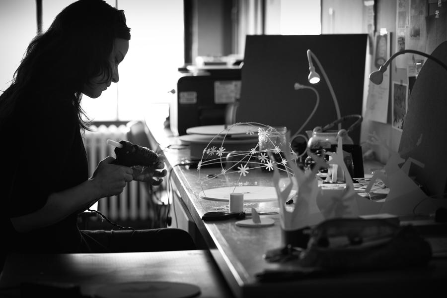 Dominique Leroux, Castelet d'ombres et papiers pour Le conte du petit ours gris de Félix Leclerc, Christina Alonso, Photographies, Montréal, 2014